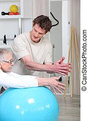 ältere frau, machen, fitness, übungen