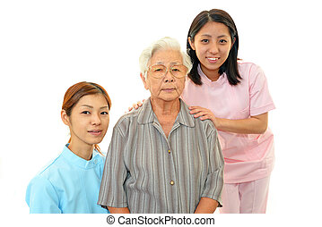 ältere frau, mit, medizinisches personal