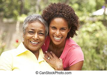ältere frau, umarmen, erwachsener, töchterchen