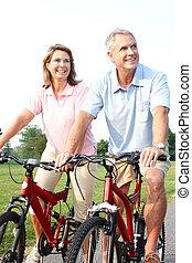 ältere, paar, radfahren