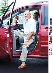 ältere paare, auto