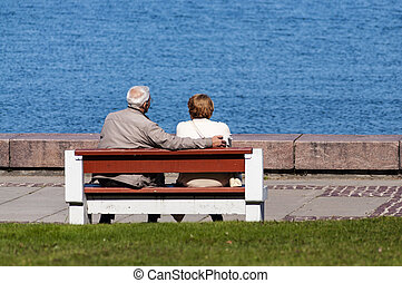 ältere paare, bank, sitzen