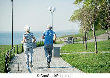 ältere paare, jogging