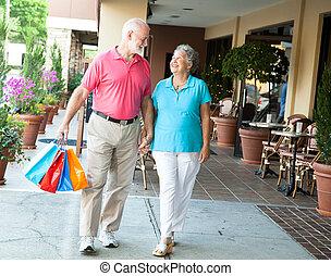 ältere, säcke, shoppen, sie, -, tragen
