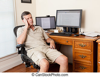 älterer mann, arbeitende , in, innenministerium