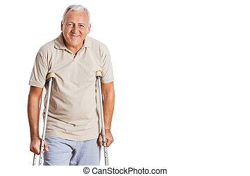 älterer mann, auf, gehhilfe