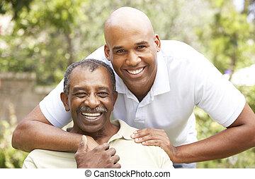 älterer mann, erwachsener, umarmen, sohn