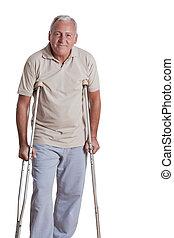 älterer mann, mit, gehhilfe