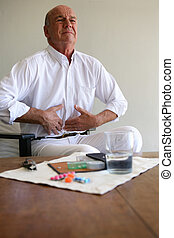 älterer mann, mit, magenschmerzen