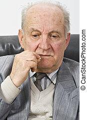 älterer mann, nehmen medikation
