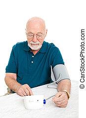älterer mann, nimmt, seine, blutdruck