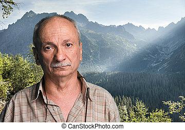 älterer mann, oben, a, berg