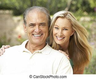 älterer mann, umarmen, erwachsener, töchterchen
