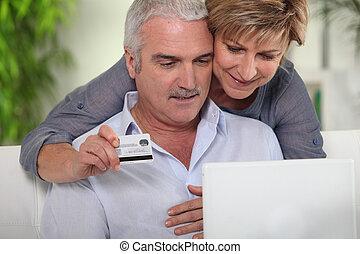 älteres einkaufen, paar, internet