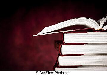 årgång, böcker, över, röd grunge, bakgrund