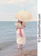 årgång, kvinna, på, strand, med, parasoll