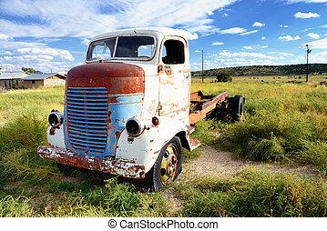 årgång, lastbil, övergiven