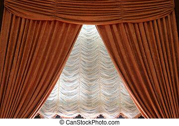 é, u, cortinas
