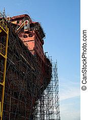 échafaudage, haut, construction, sous, fin, bateau