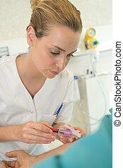 échantillon, prendre, patient, sanguine, infirmière