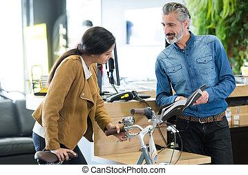 échantillons, portrait femme, vélo, demander
