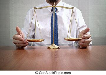 échelle, bureau,  justice,  concept,  mâle, bois, avocat,  table, laiton, Droit & Loi