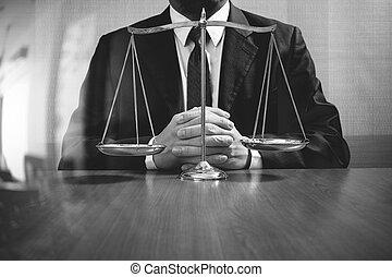 échelle, bureau,  justice,  concept,  mâle, bois,  table, noir, avocat, blanc, Droit & Loi, laiton
