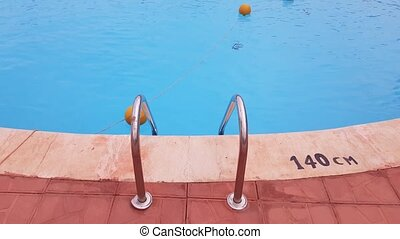 échelle, grille, piscine