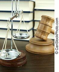échelle, justice, judge?s, légal, livres, fond, marteau, pile