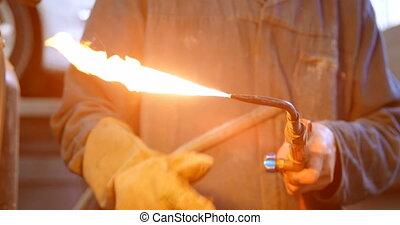 éclairage, torche, manier, mécanicien, 4k