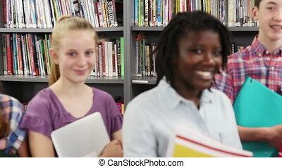 école, étudiants, bibliothèque, élevé, portrait, amis