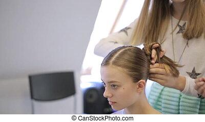 école, femme, adolescent, paquet, confection, head., modèle
