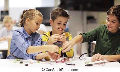 école, robotique, enfants, apprentissage, heureux