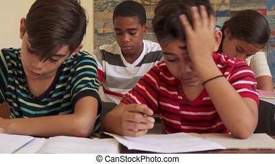 école, tricherie, étudiants, étudier, essai, pendant, amis