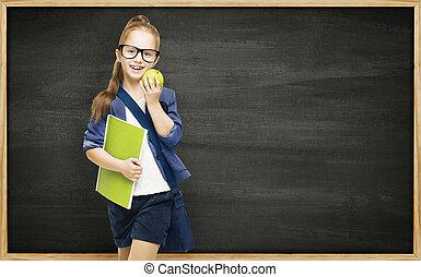 écolière, à, livre, pomme, et, tableau noir, eduquer fille, enfant