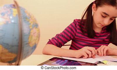 écolière, pc, tablette
