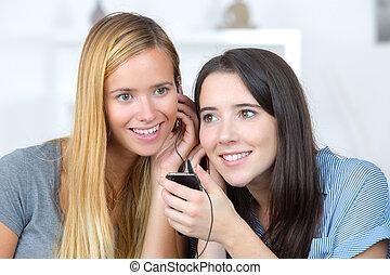 écoute, amis, musique, ensemble, femme