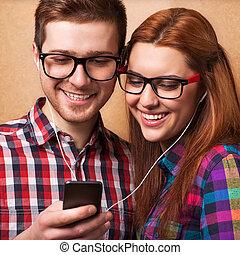 écoute, couple, musique, jeune, ensemble