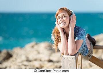 écouter musique, à, les, mer