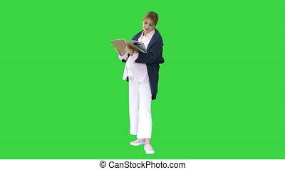 écran, livre lecture, key., femme enceinte, blond, vert, ...