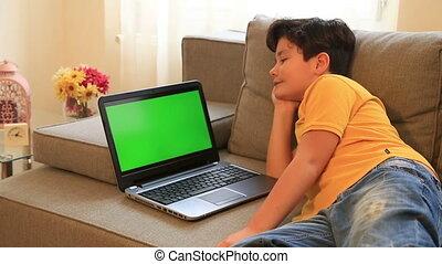 écran, moniteur, ordinateur portable, vert, garçon, jeune