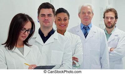 écrit, presse-papiers, femme, elle, docteur