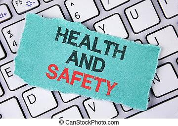 écriture, texte, écriture, santé, et, safety., concept, signification, être, bonne condition, inoffensif, séances entraînement, nourriture saine, écrit, sur, larme, note collante, papier, placé, sur, les, laptop.