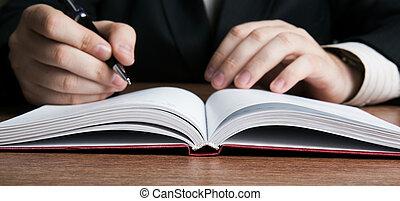 écrivain, écrit, a, stylo, sur, travail papier