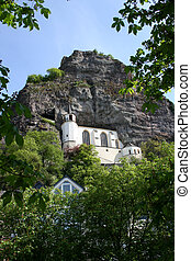 église, rocher
