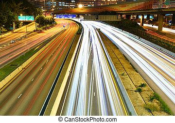 éjszaka, város forgalom
