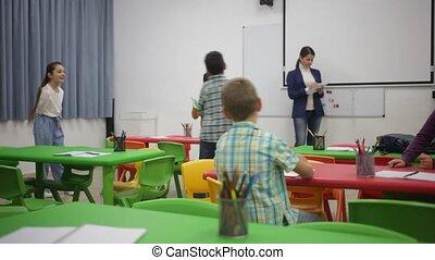 élèves, heureux, élémentaire, vibration, séance, eduquer leçon