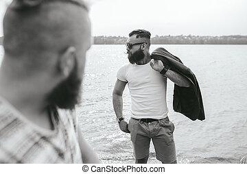 élégant, barbu, hommes, deux