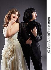 élégant, couple, palefrenier, mariée, poser, lesbienne