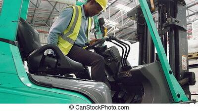 élévateur, mâle, ouvrier, conduite, entrepôt
